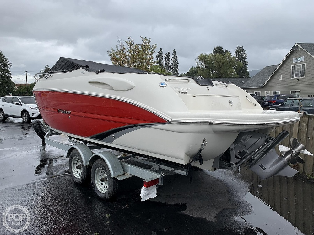 2016 Stingray boat for sale, model of the boat is 250CR & Image # 20 of 41