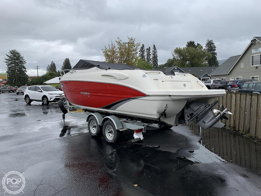 2016 Stingray boat for sale, model of the boat is 250CR & Image # 21 of 41