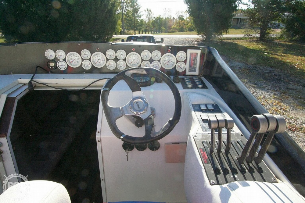 1995 Power Play boat for sale, model of the boat is 33 & Image # 8 of 40