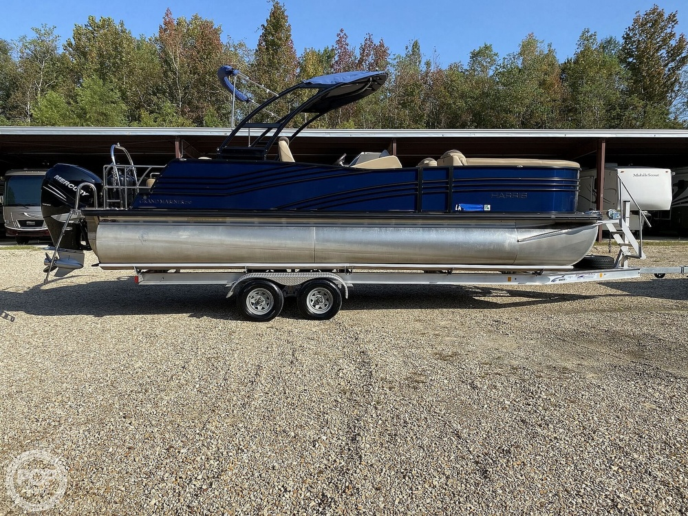 2019 Harris boat for sale, model of the boat is Grand Mariner 250 & Image # 5 of 40