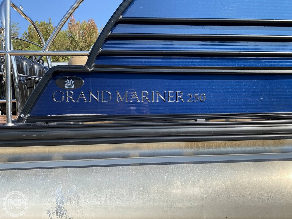 2019 Harris boat for sale, model of the boat is Grand Mariner 250 & Image # 11 of 40