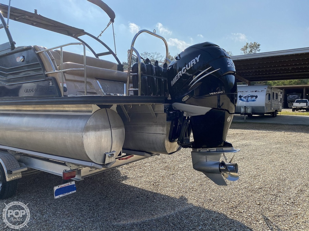 2019 Harris boat for sale, model of the boat is Grand Mariner 250 & Image # 18 of 40