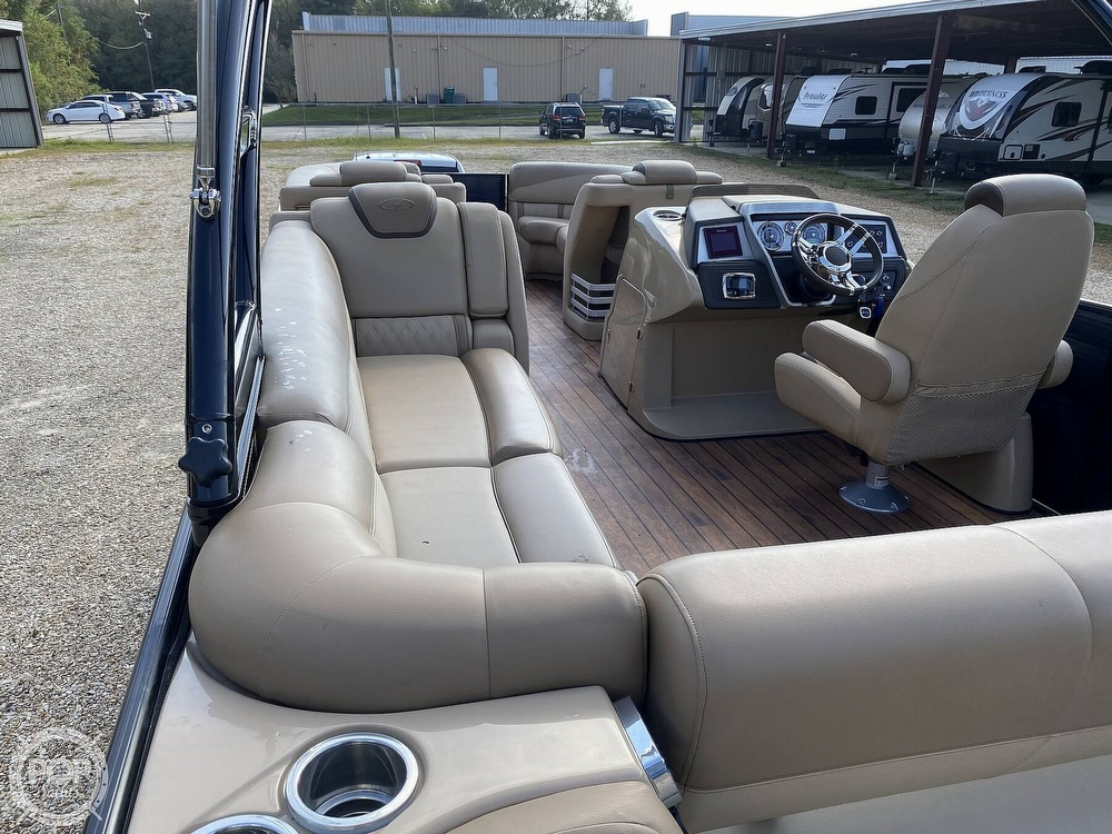 2019 Harris boat for sale, model of the boat is Grand Mariner 250 & Image # 2 of 40