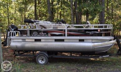 2017 Sun Tracker Bass Buggy 18 DLX - #1