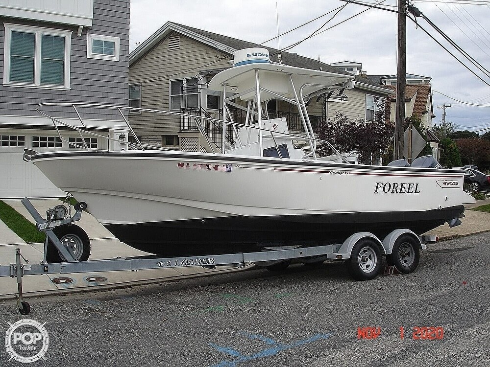 1994 Boston Whaler boat for sale, model of the boat is 24 Outrage & Image # 2 of 40