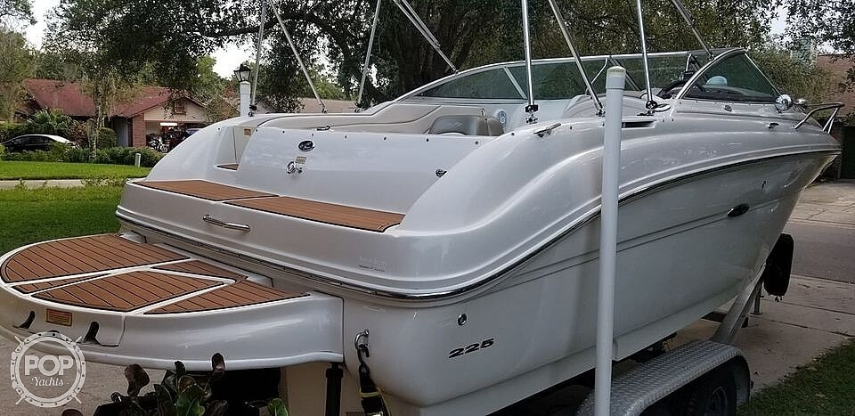 2005 Sea Ray boat for sale, model of the boat is 225 weekender & Image # 24 of 40