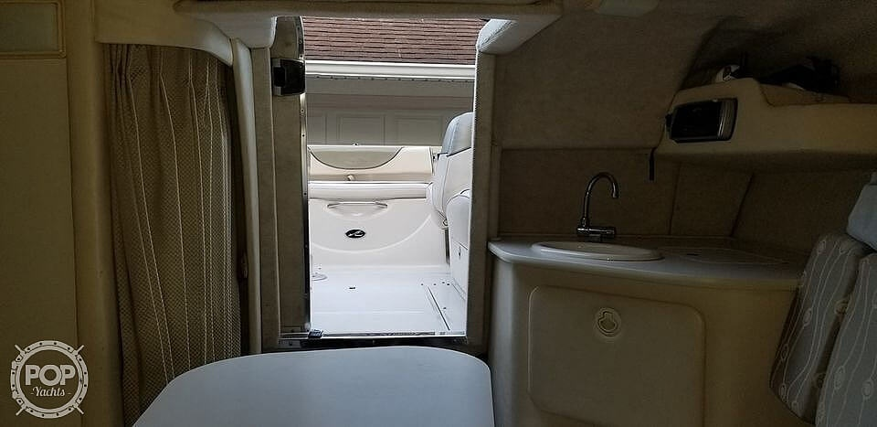 2005 Sea Ray boat for sale, model of the boat is 225 weekender & Image # 25 of 40