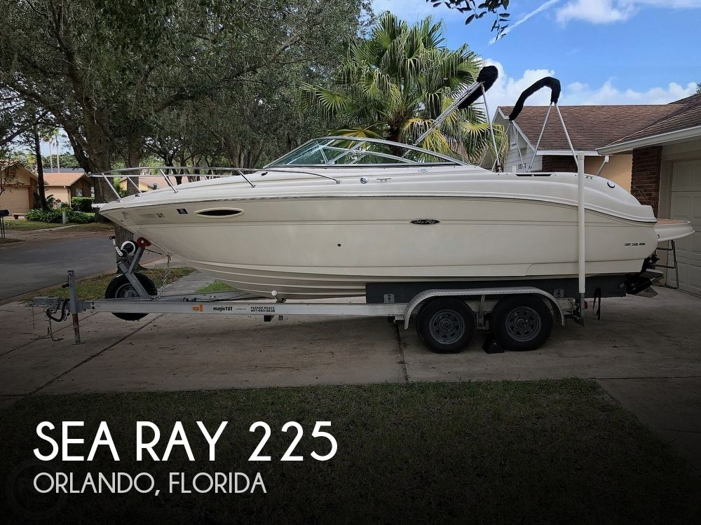 2005 Sea Ray boat for sale, model of the boat is 225 weekender & Image # 1 of 40