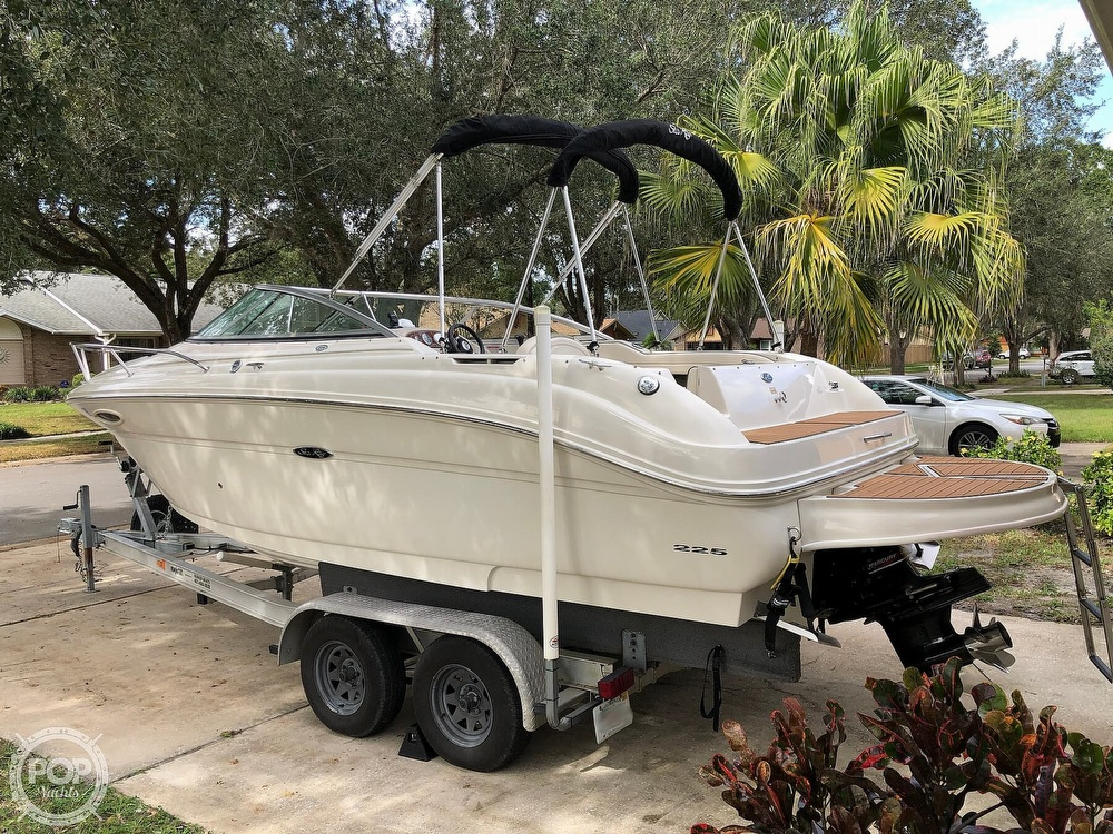 2005 Sea Ray boat for sale, model of the boat is 225 weekender & Image # 32 of 40