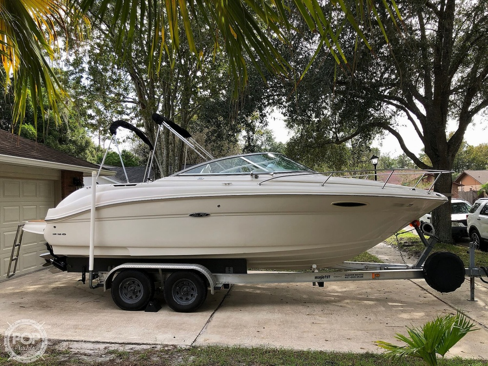 2005 Sea Ray boat for sale, model of the boat is 225 weekender & Image # 33 of 40