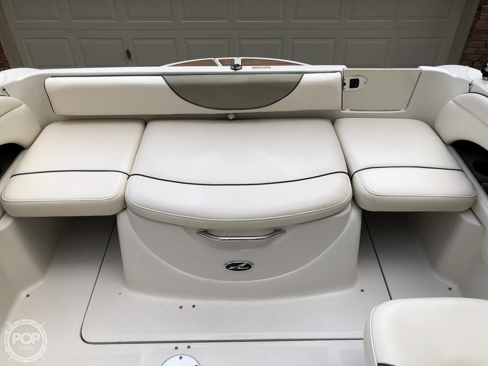 2005 Sea Ray boat for sale, model of the boat is 225 weekender & Image # 11 of 40