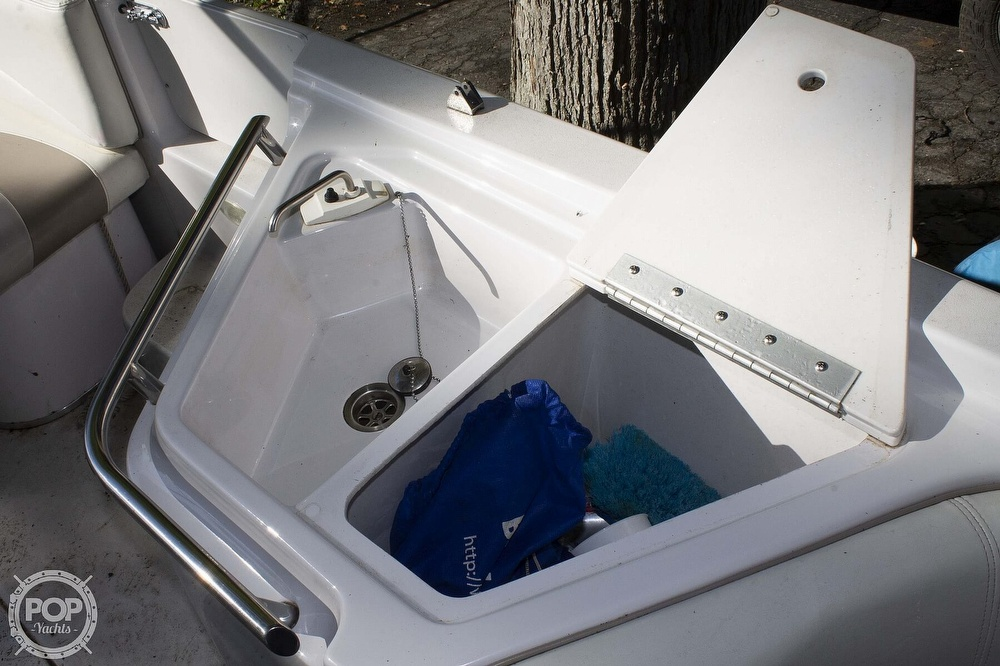 1997 Four Winns boat for sale, model of the boat is 214 Candia FS Limited & Image # 22 of 33