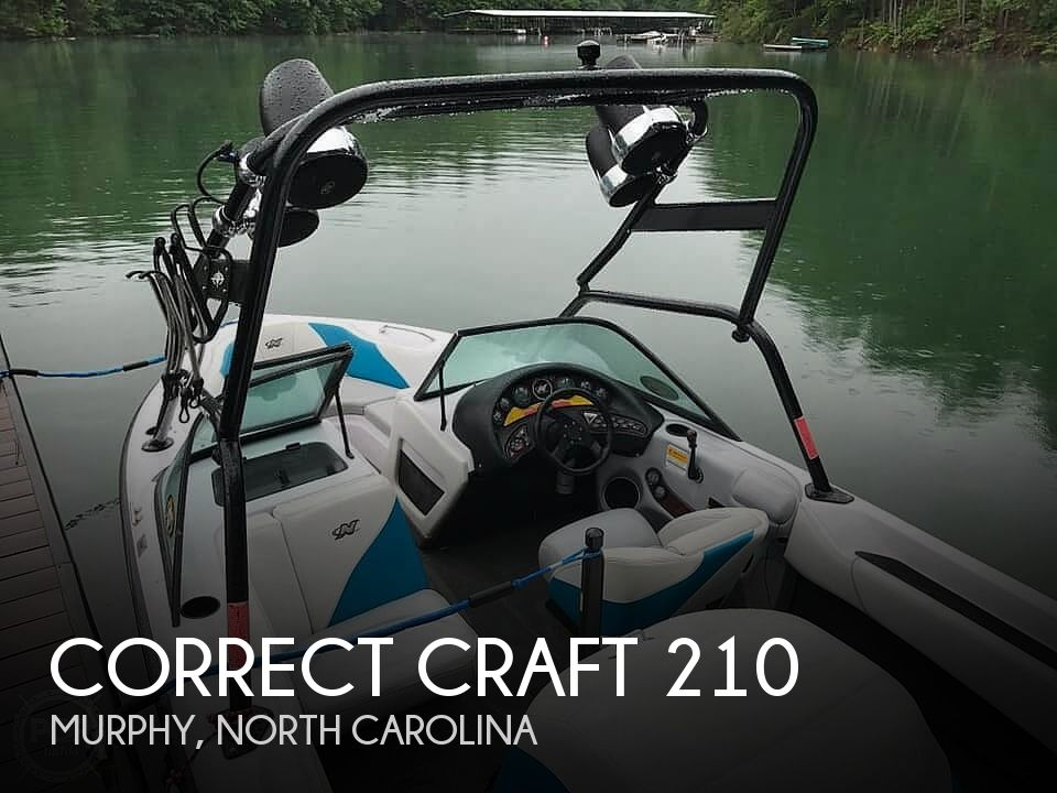 2000 Correct Craft boat for sale, model of the boat is 210 Super Air Nautique & Image # 1 of 25