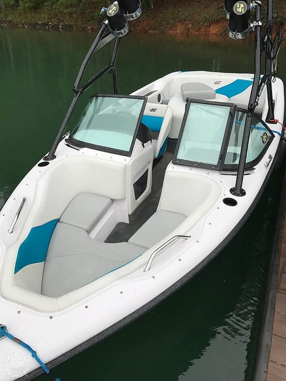 2000 Correct Craft boat for sale, model of the boat is 210 Super Air Nautique & Image # 8 of 25