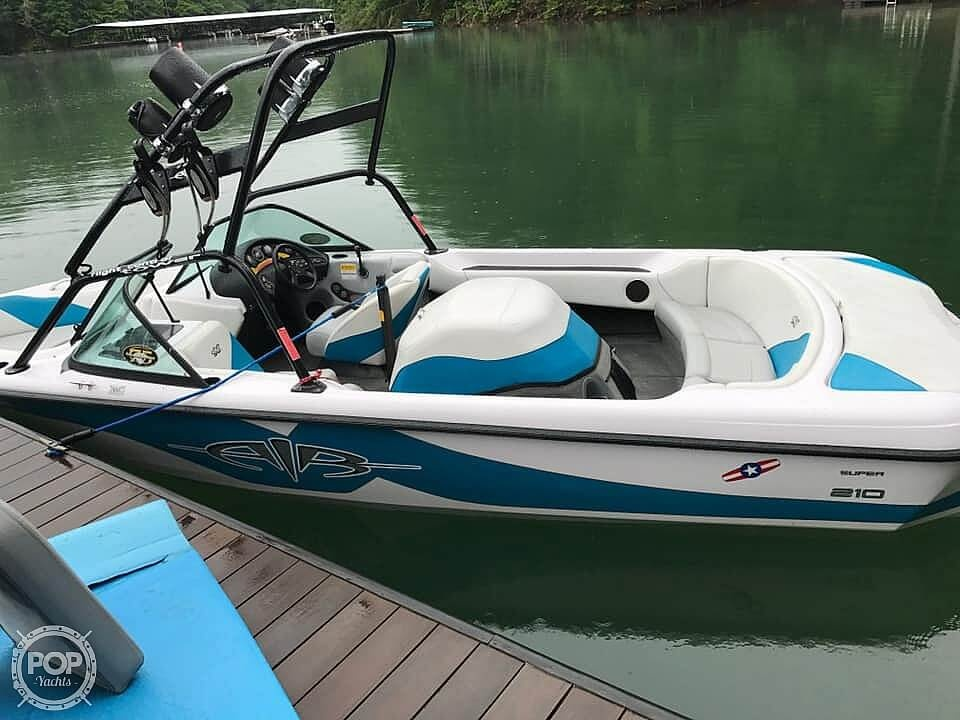 2000 Correct Craft boat for sale, model of the boat is 210 Super Air Nautique & Image # 9 of 25