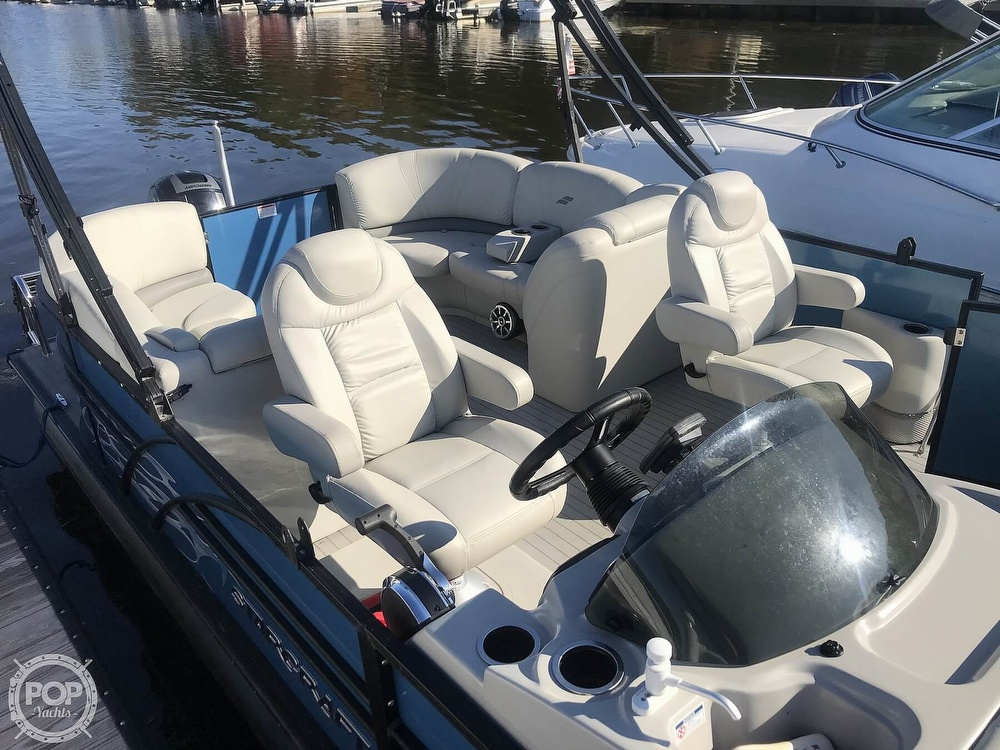 2017 Starcraft boat for sale, model of the boat is SLS 3 & Image # 8 of 41