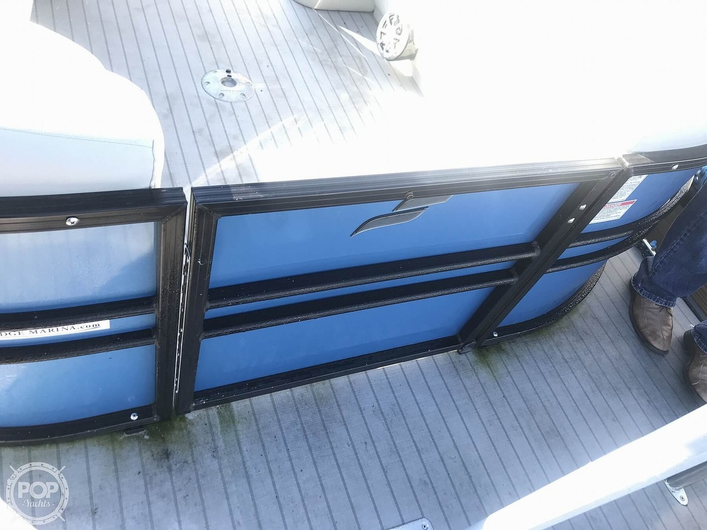 2017 Starcraft boat for sale, model of the boat is SLS 3 & Image # 13 of 41