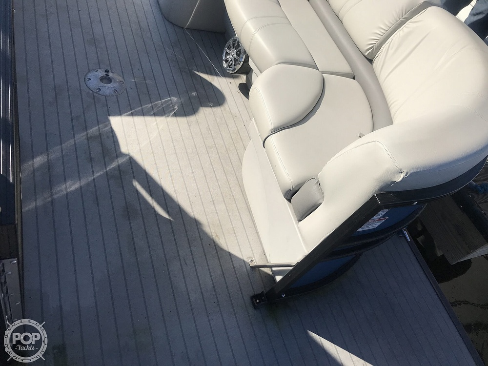 2017 Starcraft boat for sale, model of the boat is SLS 3 & Image # 14 of 41
