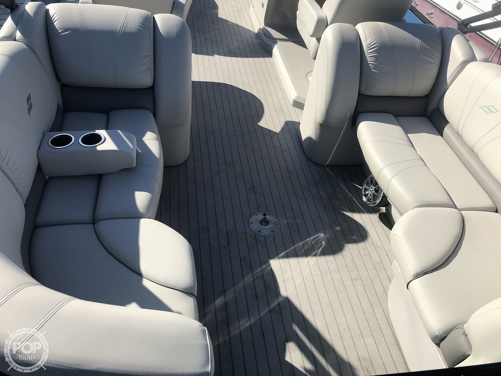 2017 Starcraft boat for sale, model of the boat is SLS 3 & Image # 15 of 41