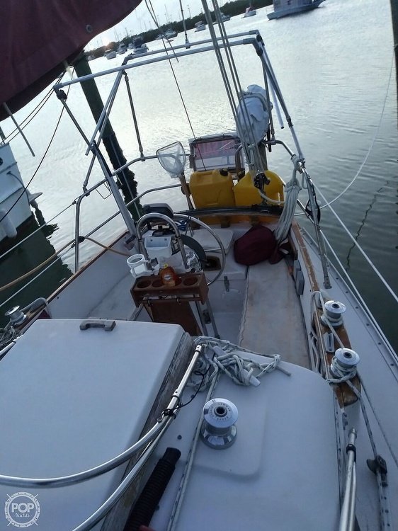1986 Bayfield Yachts boat for sale, model of the boat is 29 & Image # 5 of 40