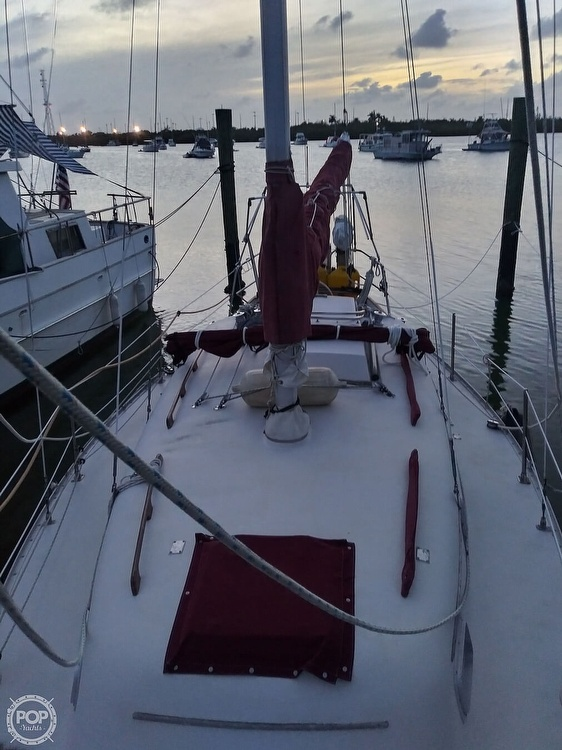 1986 Bayfield Yachts boat for sale, model of the boat is 29 & Image # 9 of 40