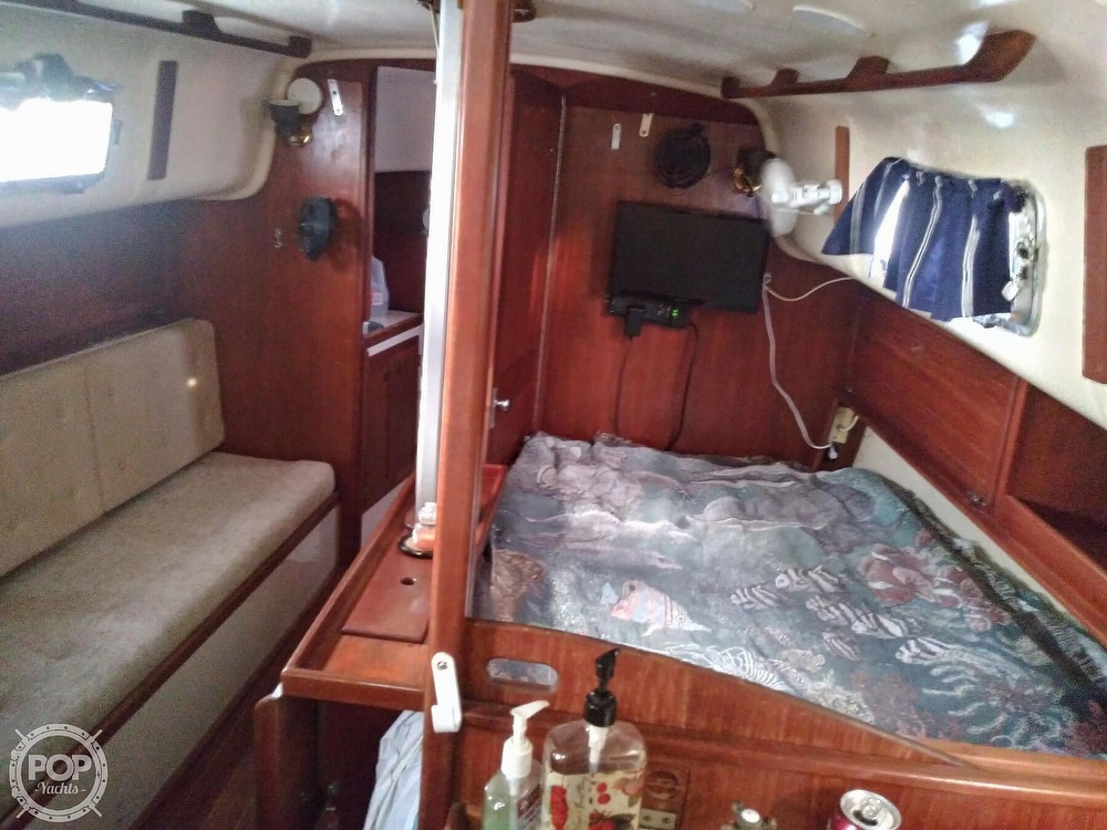 1986 Bayfield Yachts boat for sale, model of the boat is 29 & Image # 12 of 40