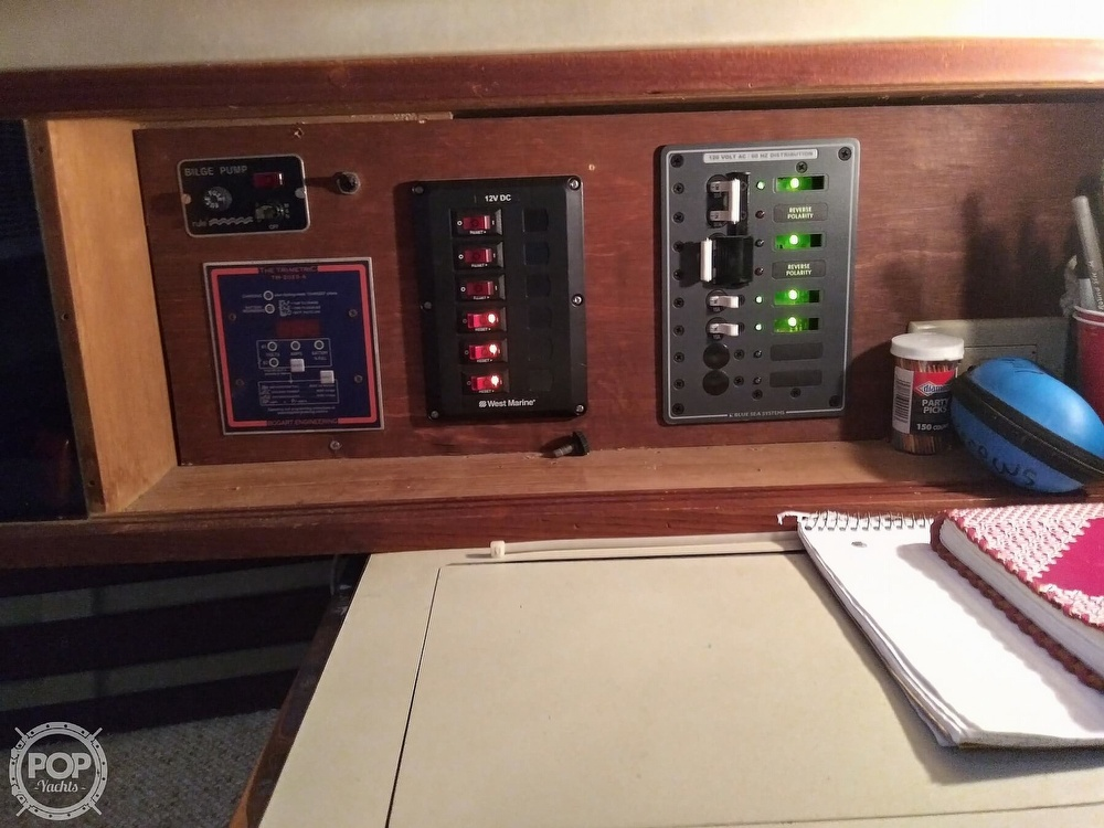 1986 Bayfield Yachts boat for sale, model of the boat is 29 & Image # 14 of 40