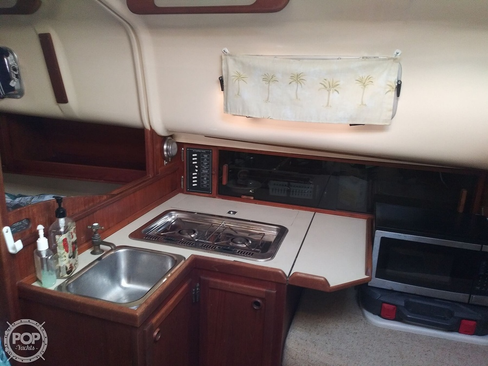 1986 Bayfield Yachts boat for sale, model of the boat is 29 & Image # 16 of 40