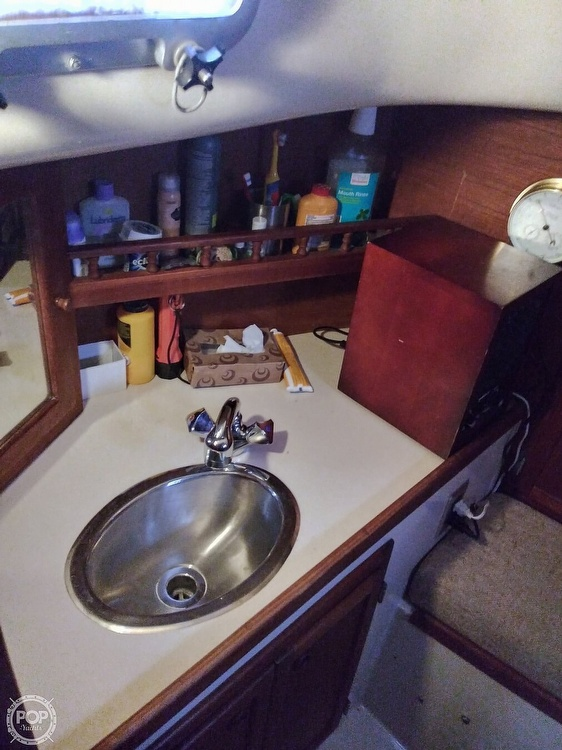 1986 Bayfield Yachts boat for sale, model of the boat is 29 & Image # 17 of 40
