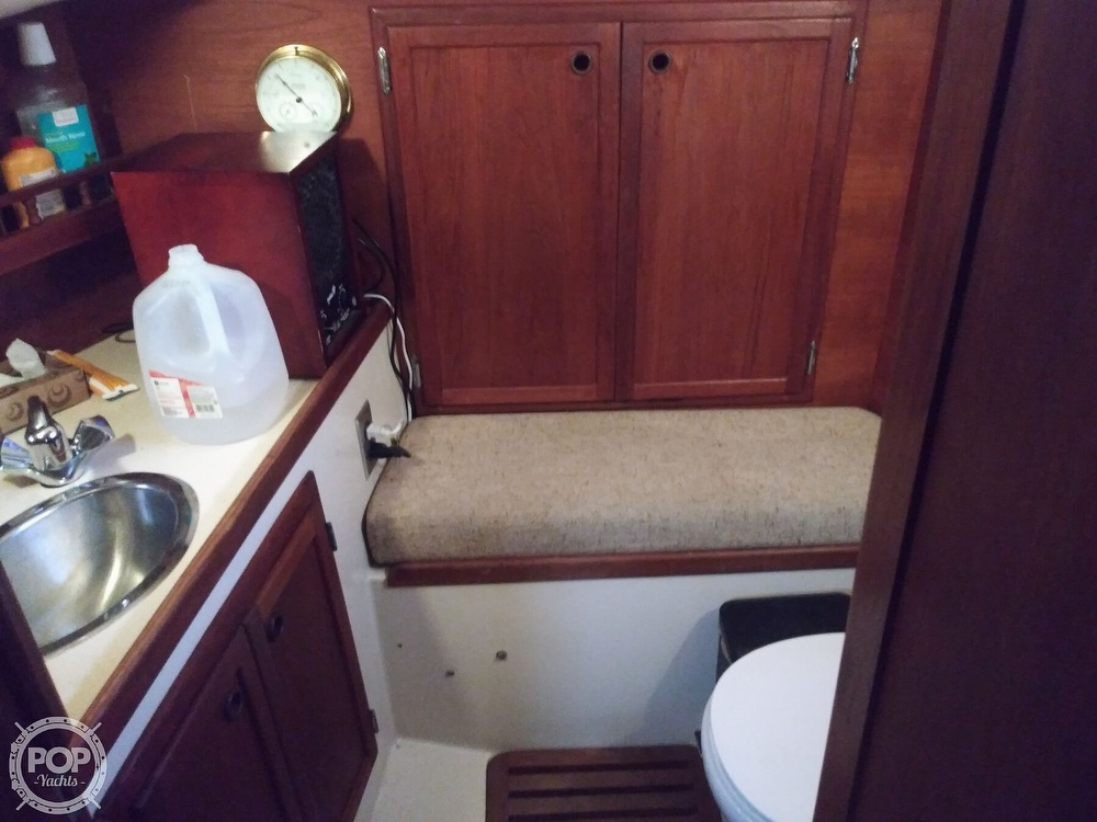 1986 Bayfield Yachts boat for sale, model of the boat is 29 & Image # 18 of 40