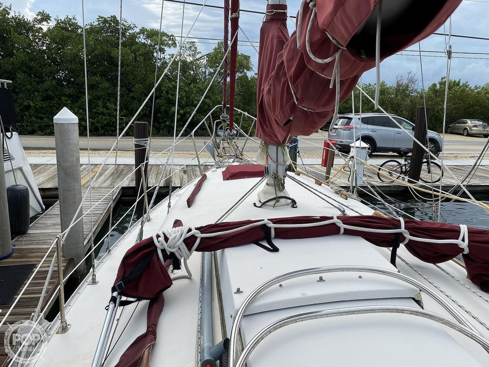 1986 Bayfield Yachts boat for sale, model of the boat is 29 & Image # 23 of 40