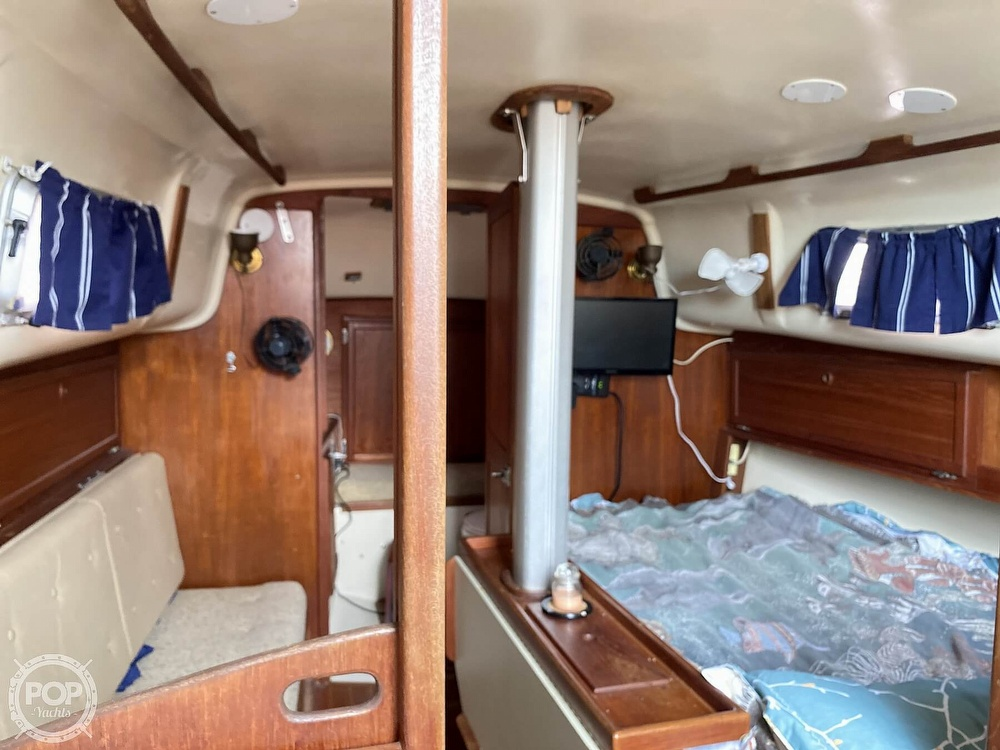 1986 Bayfield Yachts boat for sale, model of the boat is 29 & Image # 25 of 40