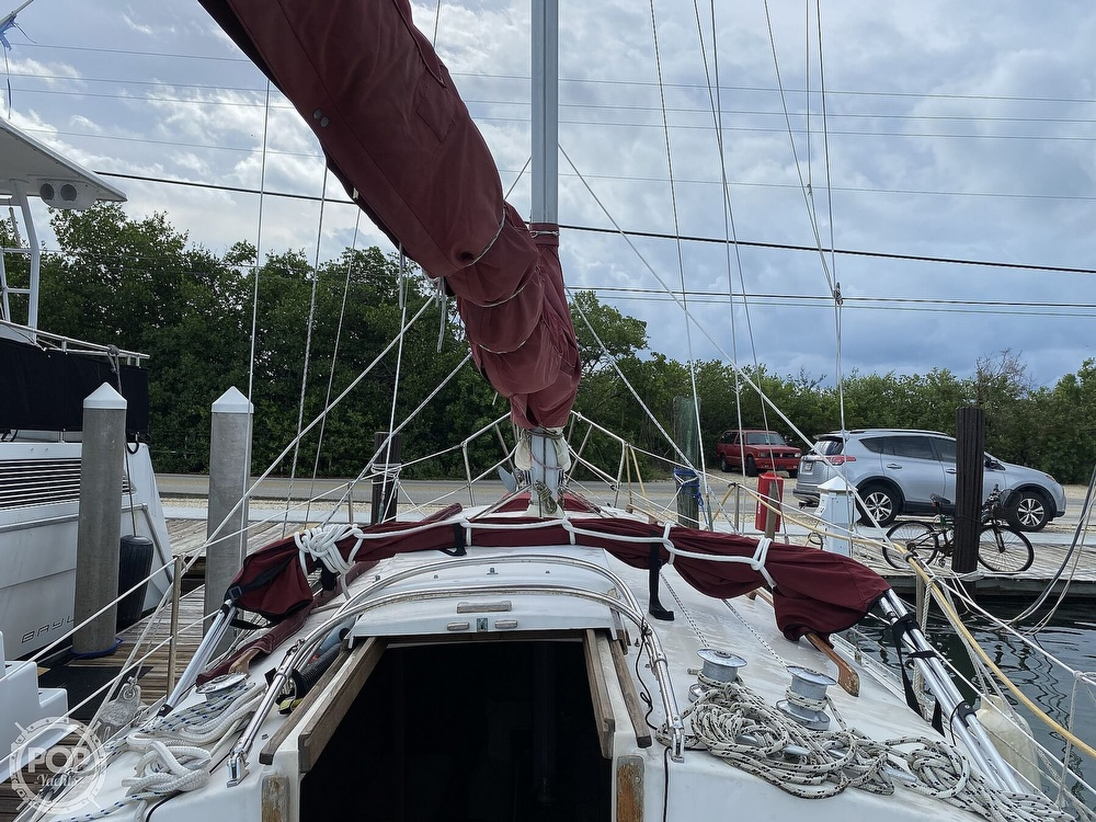 1986 Bayfield Yachts boat for sale, model of the boat is 29 & Image # 26 of 40