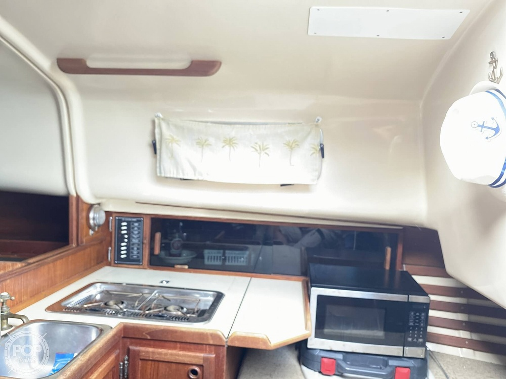 1986 Bayfield Yachts boat for sale, model of the boat is 29 & Image # 31 of 40