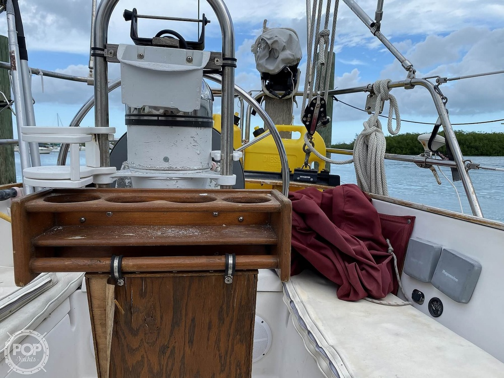 1986 Bayfield Yachts boat for sale, model of the boat is 29 & Image # 39 of 40