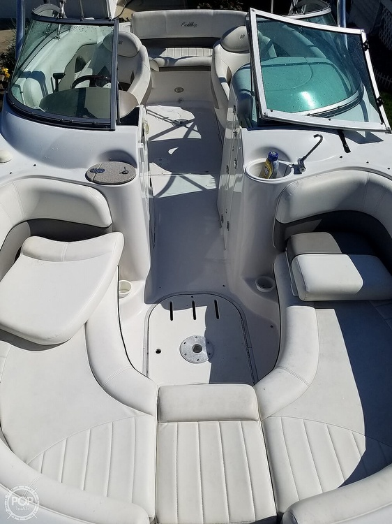 2004 Four Winns boat for sale, model of the boat is 210 Fun Ship & Image # 9 of 15