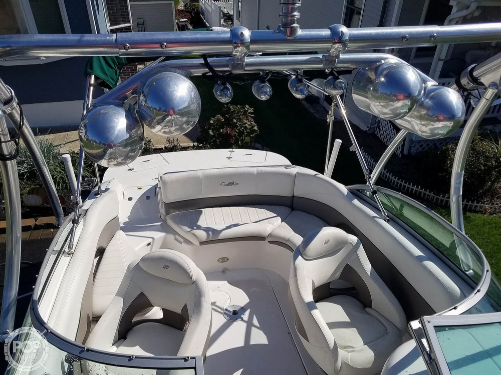 2004 Four Winns boat for sale, model of the boat is 210 Fun Ship & Image # 11 of 15
