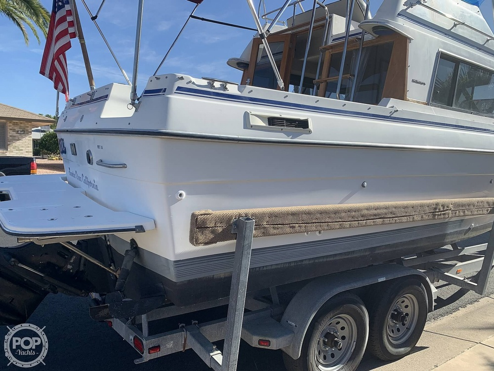 1990 Bayliner boat for sale, model of the boat is 2556 Command Bridge Ciera & Image # 7 of 40
