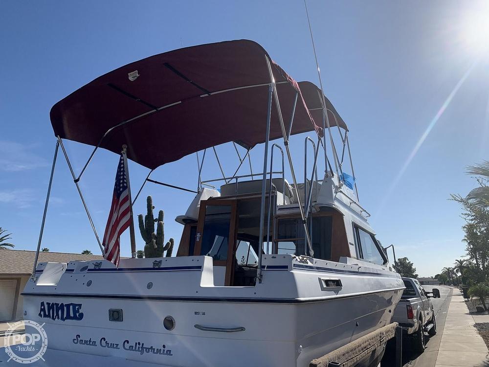 1990 Bayliner boat for sale, model of the boat is 2556 Command Bridge Ciera & Image # 8 of 40