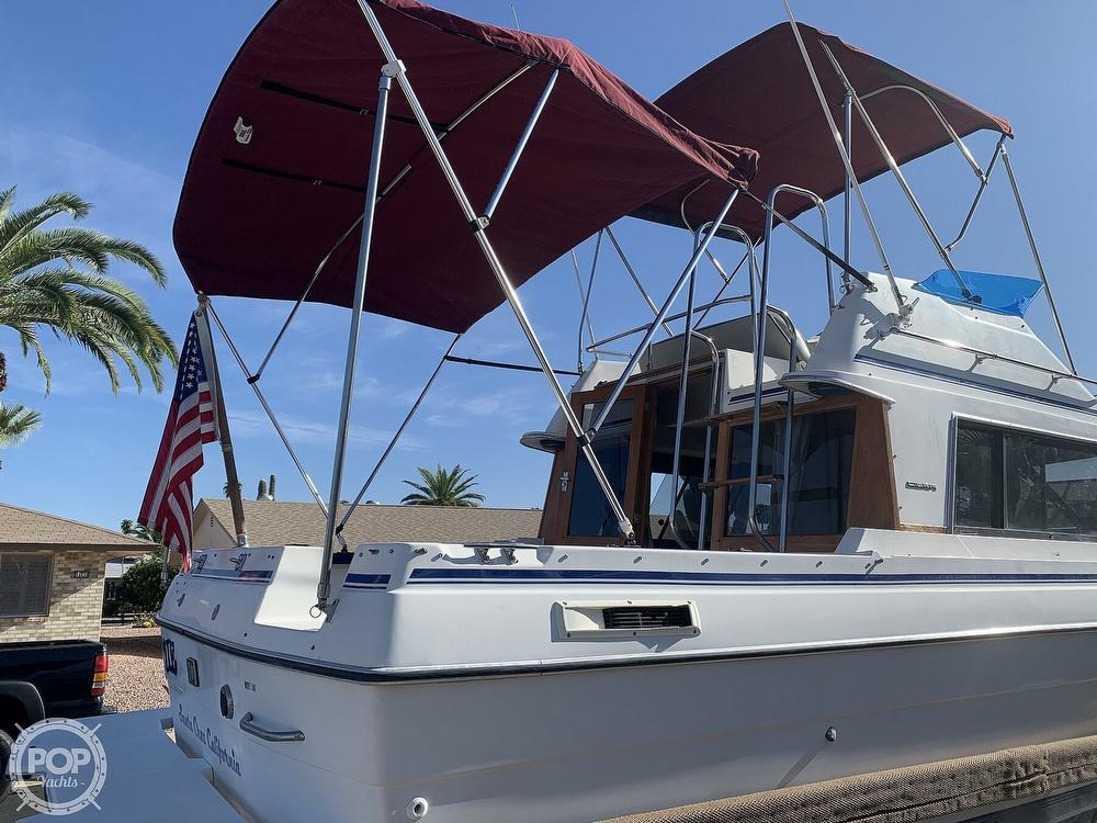 1990 Bayliner boat for sale, model of the boat is 2556 Command Bridge Ciera & Image # 9 of 40