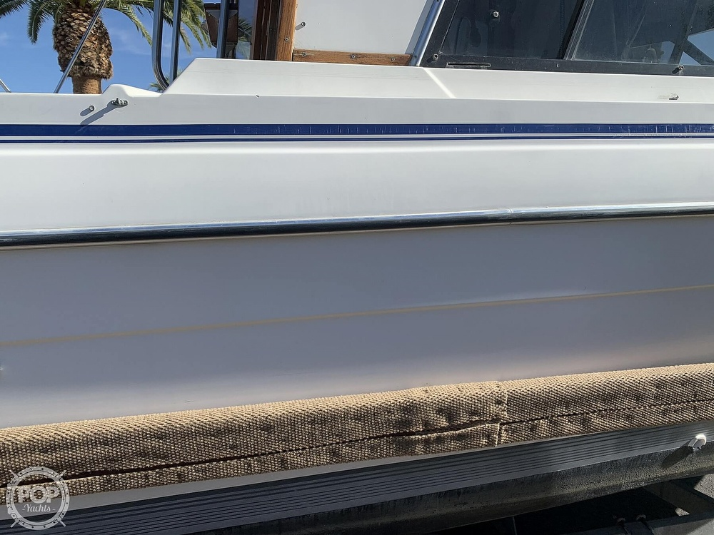 1990 Bayliner boat for sale, model of the boat is 2556 Command Bridge Ciera & Image # 15 of 40