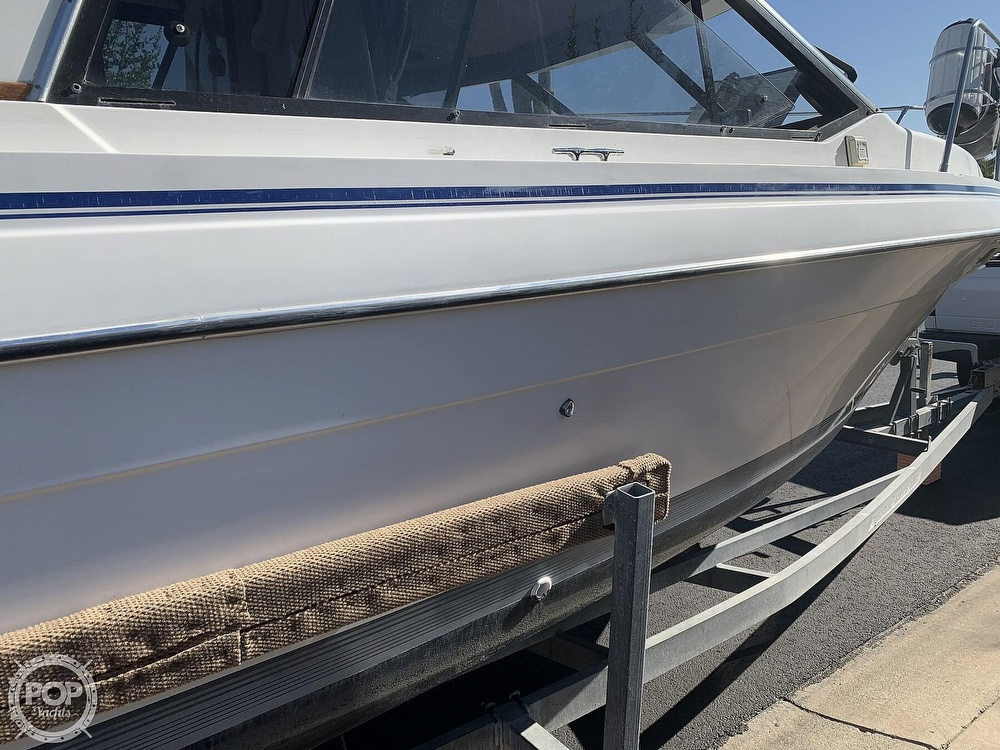 1990 Bayliner boat for sale, model of the boat is 2556 Command Bridge Ciera & Image # 17 of 40