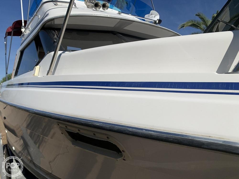 1990 Bayliner boat for sale, model of the boat is 2556 Command Bridge Ciera & Image # 33 of 40