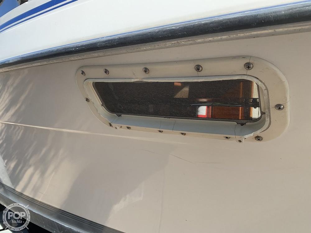 1990 Bayliner boat for sale, model of the boat is 2556 Command Bridge Ciera & Image # 34 of 40