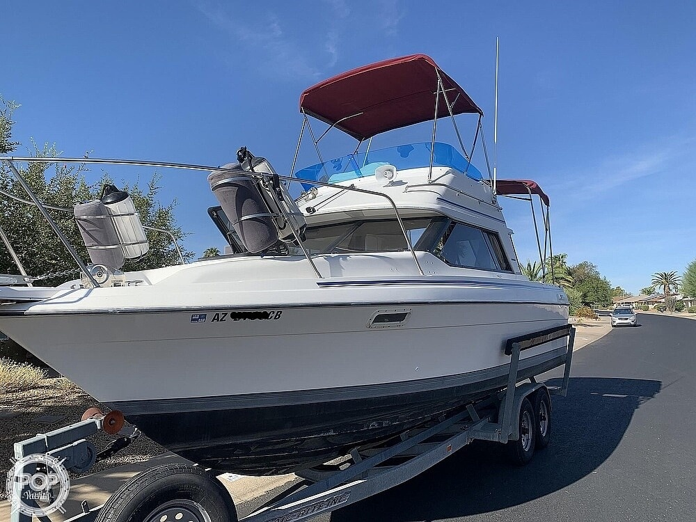 1990 Bayliner boat for sale, model of the boat is 2556 Command Bridge Ciera & Image # 3 of 40