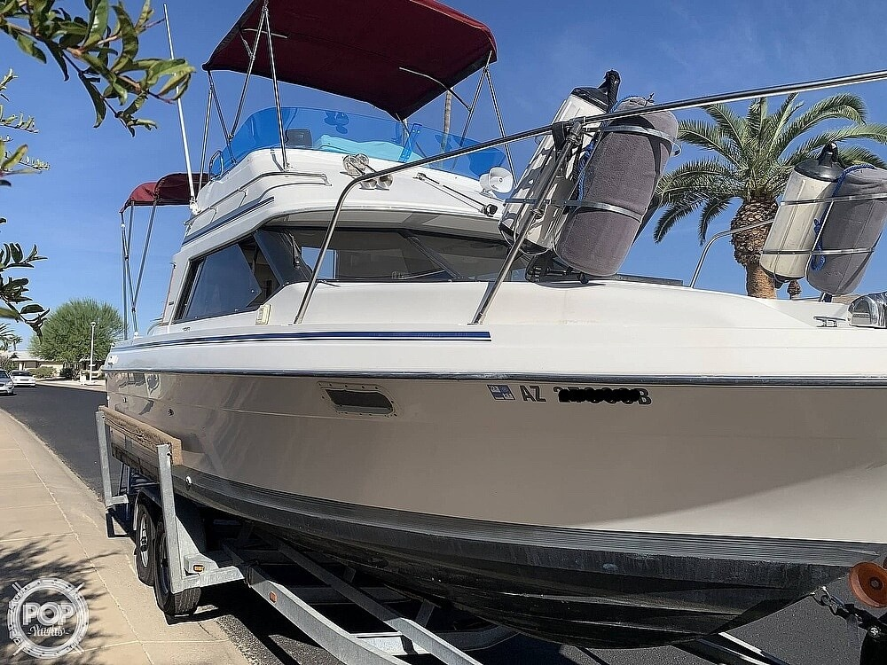 1990 Bayliner boat for sale, model of the boat is 2556 Command Bridge Ciera & Image # 2 of 40