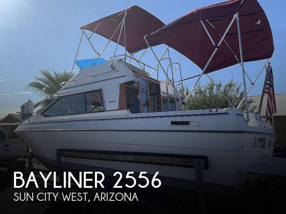 1990 Bayliner boat for sale, model of the boat is 2556 Command Bridge Ciera & Image # 1 of 40