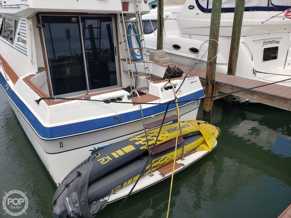 1988 Cruisers Yachts boat for sale, model of the boat is 3380 Esprit & Image # 8 of 40