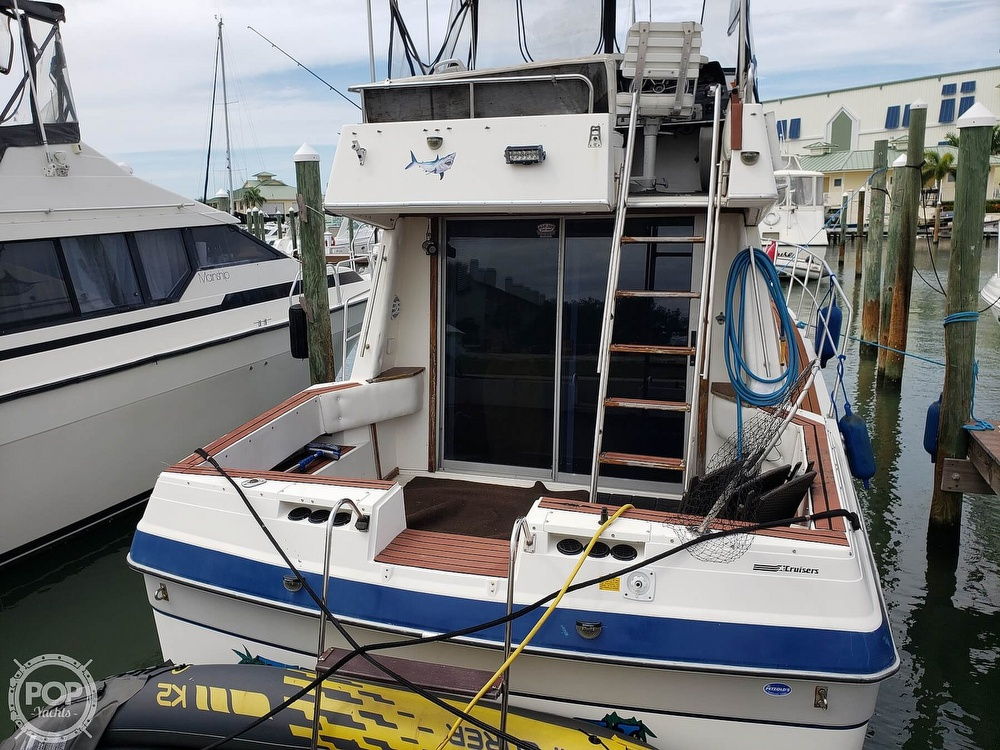 1988 Cruisers Yachts boat for sale, model of the boat is 3380 Esprit & Image # 11 of 40