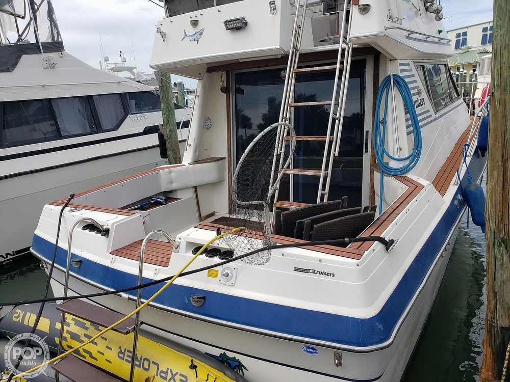 1988 Cruisers Yachts boat for sale, model of the boat is 3380 Esprit & Image # 6 of 40